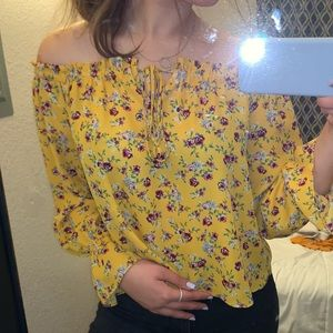 FOREVER21 Off The Shoulder Floral Blouse